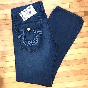 NWT! True Religion Straight Indigo Foam Jeans 👖!